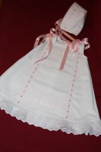 2009-01-10 vestidito entredoses recién nacida 001