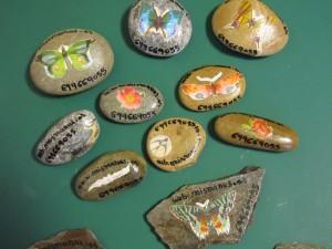2014-09-07 piedras con découpage (2)